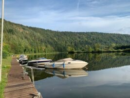 Bootssteg am Waldcamping Germania